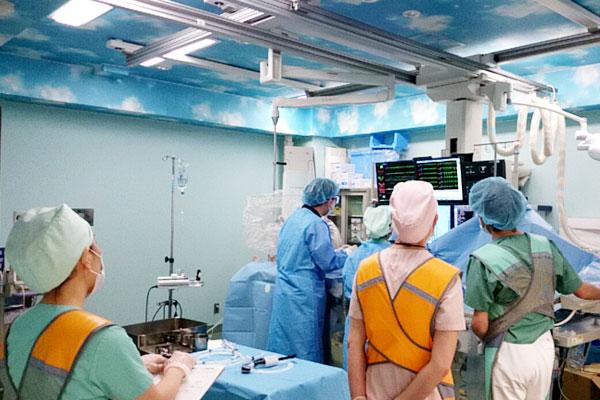 検査 心臓 カテーテル 心臓カテーテル検査の看護|手順・合併症ケア・観察項目